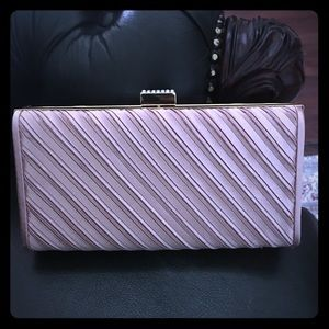 """NWT Kate Landry , excellent condition 7.5""""x4""""x1.5"""""""